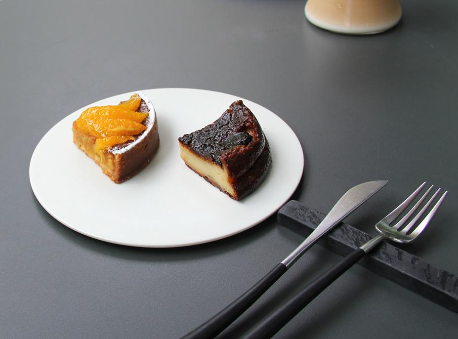 モンテベロ 『ファーブルトン』(¥250)『タルトオランジュ』(¥350)