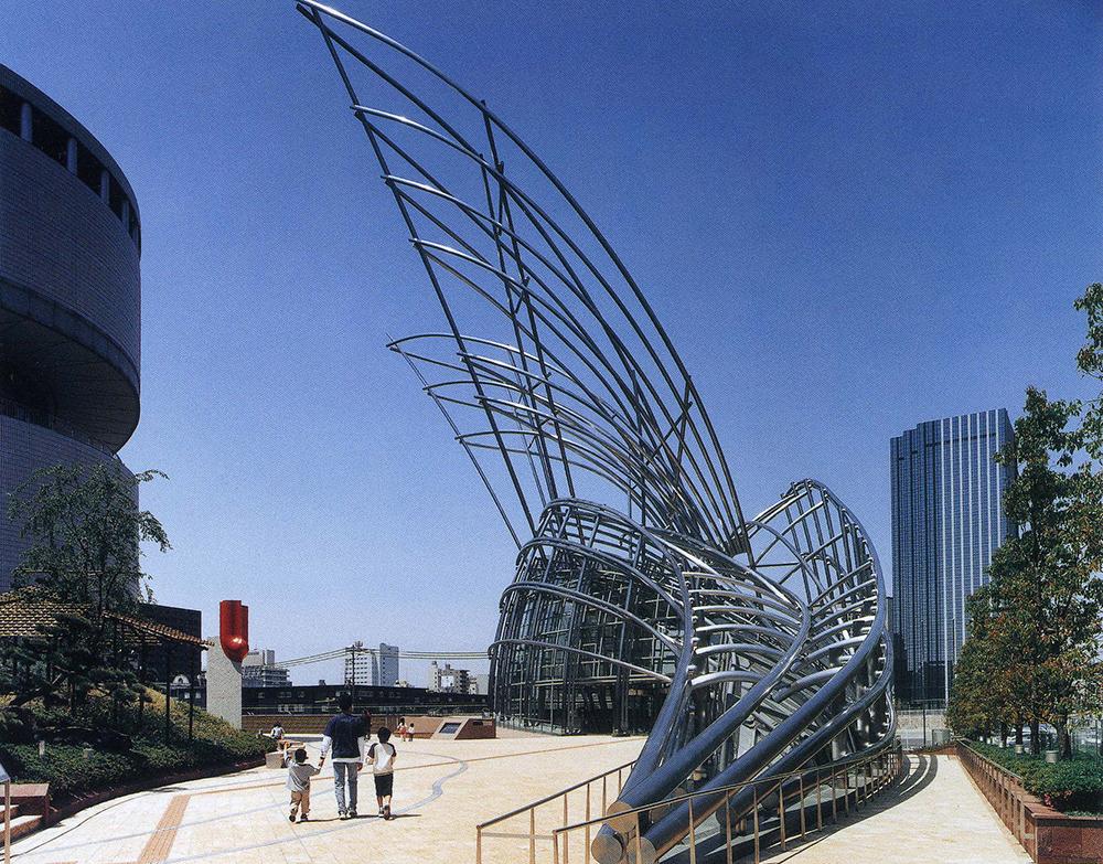 建築家シーザー・ペリが「竹の生命力」を表現した外観