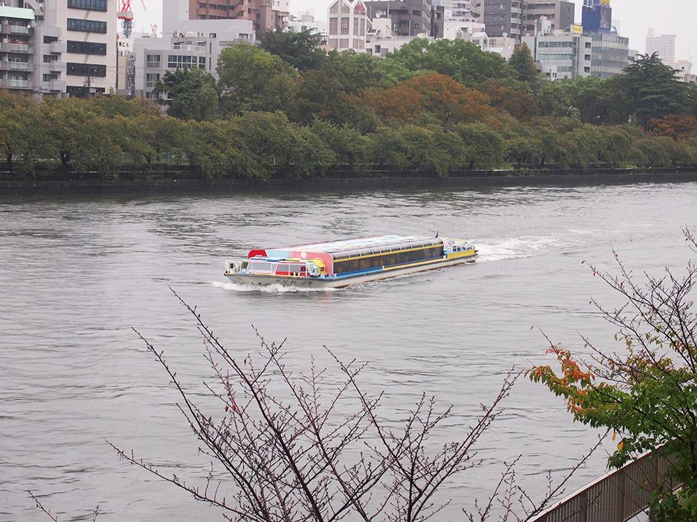 水都大阪の魅力は、やはり水面からの眺め。 一度はクルーズしてみたいものですね。