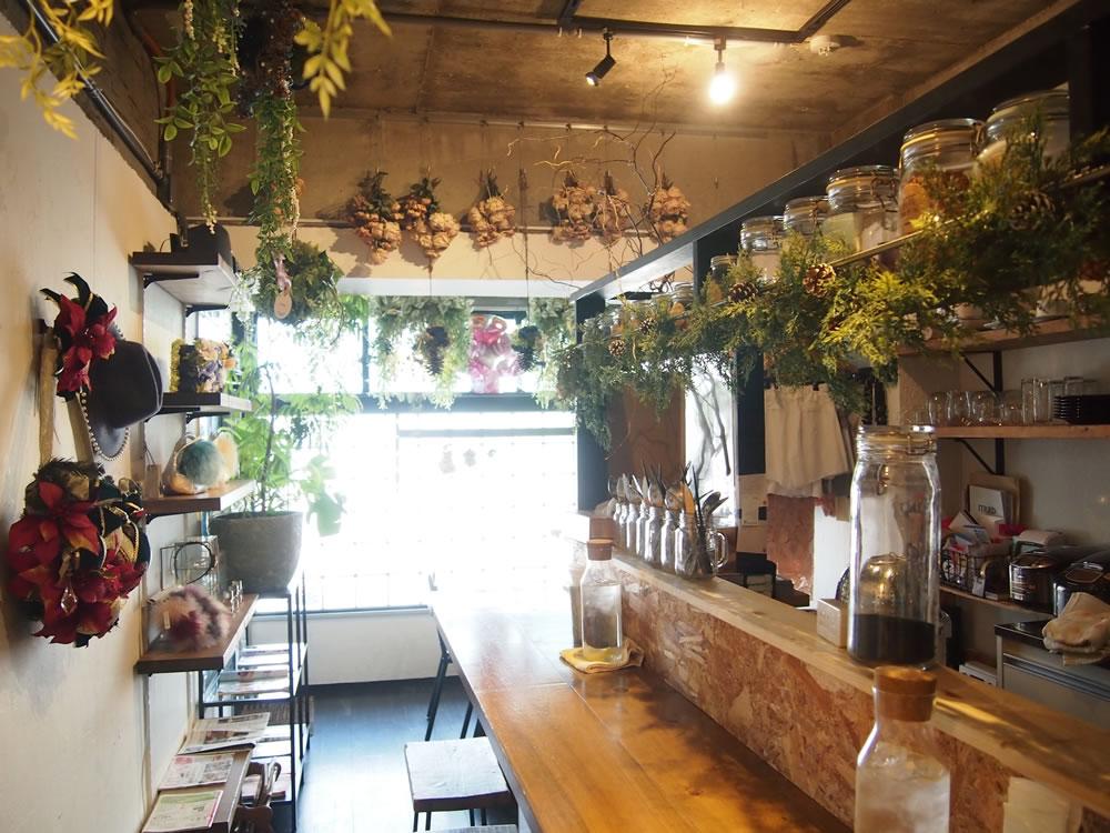店内は、田村さんのセンスを活かしたナチュラルで優しい雰囲気があふれ、心がやすらぎます。