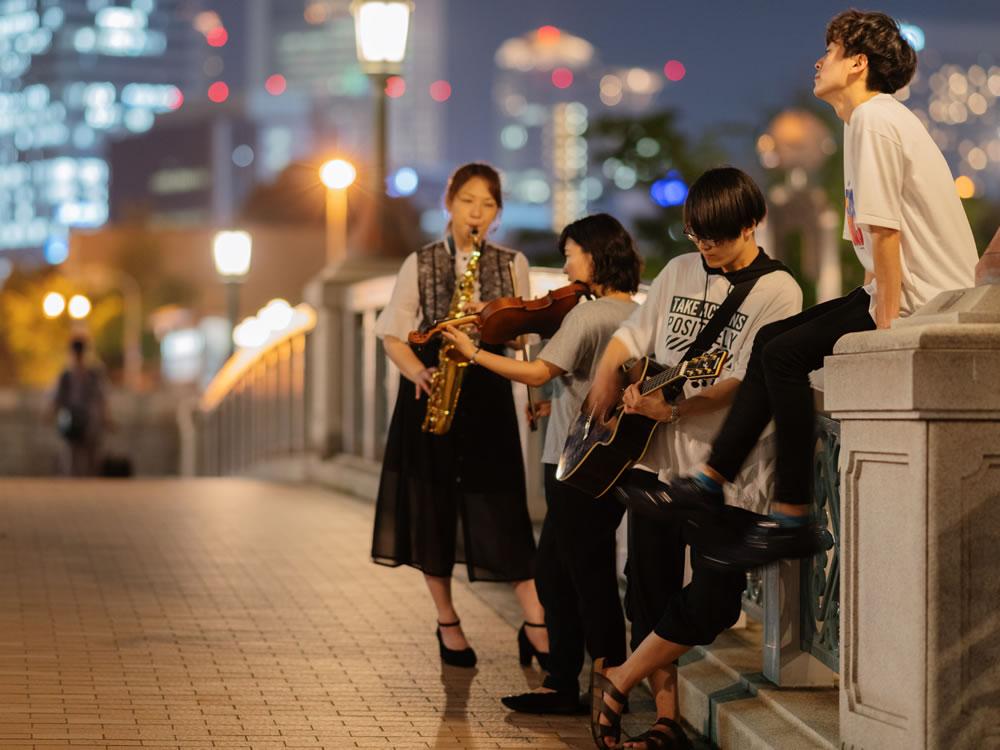 作品名:no music no life / 撮影場所:ばらぞの橋(中之島公園) / 撮影者:maxakichiさん
