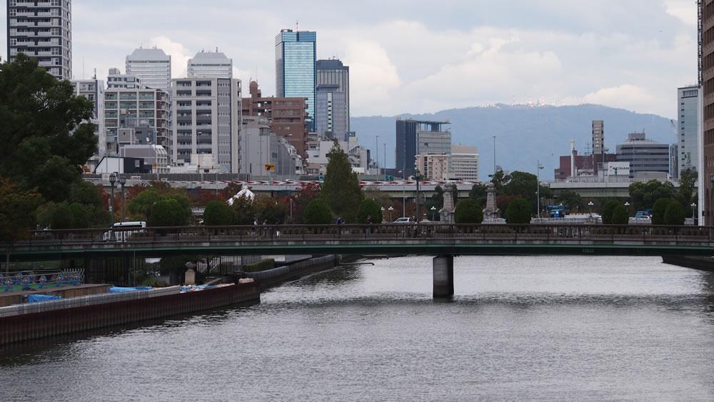 栴檀木橋 橋長:83.37m/幅員:15.0m/形式:桁橋/完成:1985年