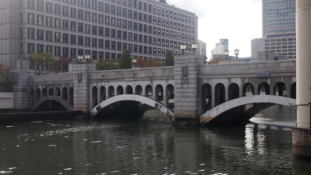 水晶橋 橋長:72.33m/幅員:9.09m/形式:アーチ橋/完成:1929年