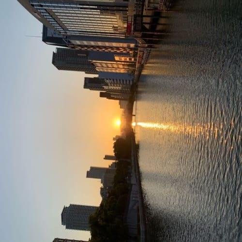 淀屋橋でご来光